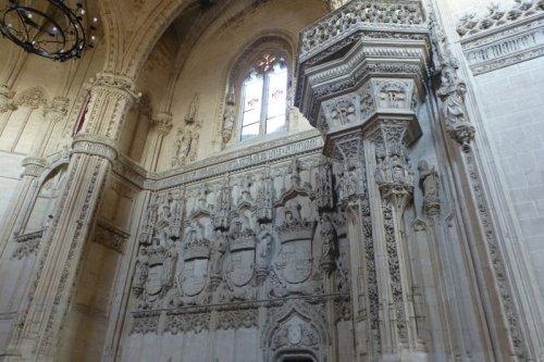 Escudos de los Reyes Católicos en el Monasterio de San Juan de los Reyes