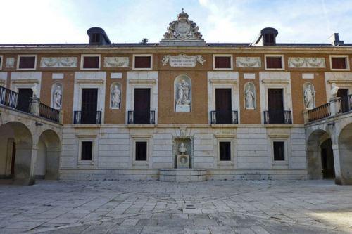 Detalles de la fachada de la Casa del Labrador de Aranjuez