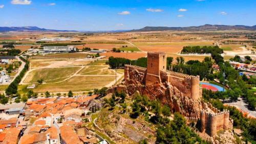 Castillo de Almansa sobre el Cerro del Águila