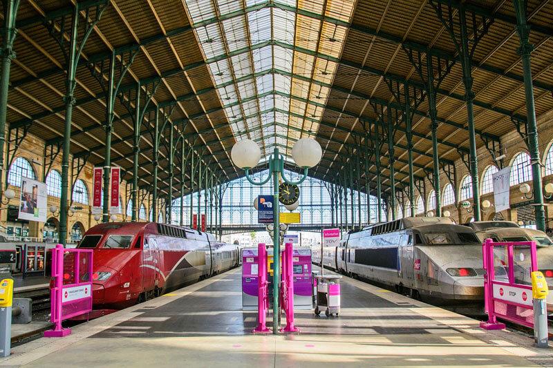Cómo llegar a París, avión, tren, autobús o coche.