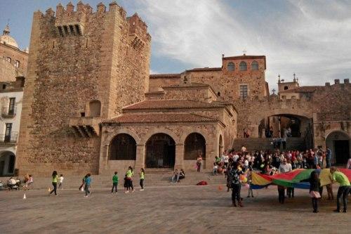 Ermita de la Paz junto a la Torre de Bujaco