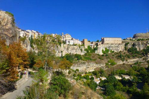 Ciudad de Cuenca sobre la hoz del río Huécar