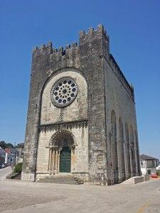 Iglesia de San Nicolás en Portomarín, ruta del románico de la Ribeira Sacra