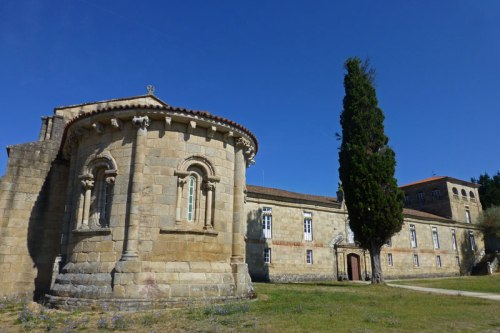 Monasterio de San Salvador de Ferreira en Pantón, ruta de los monasterios de la Ribeira Sacra