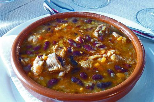 Cazuela de judías, uno de los platos típicos de la gastronomía de Torla-Ordesa