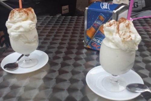 Leche helada, muy consumida durante los veranos de Candeleda