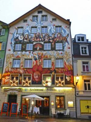 Frescos en el casco histórico