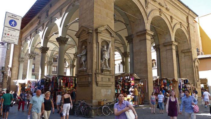 36ebecbbb Mercato Nuovo o Mercato del Porcellino en la Piazza della Signoria, qué  comprar en Florencia