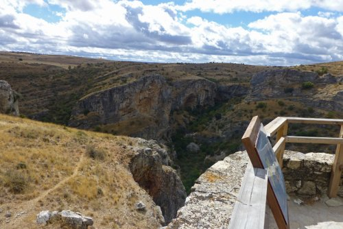 Observatorio de aves en el Barranco del Río Dulce