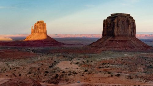 East Mitten Butte y Merrick Butte, icónos de Monument Valley o Valle de los Monumentos