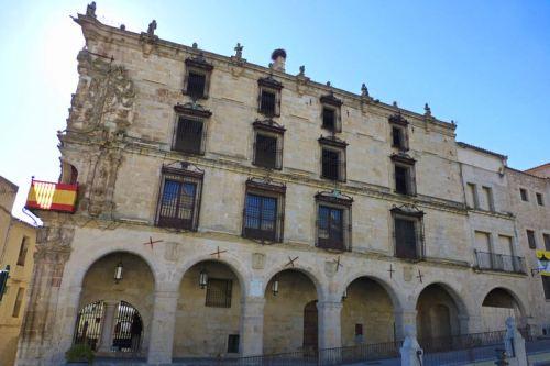 Palacio de los Marqueses de la Conquista en la Plaza Mayor de Trujillo
