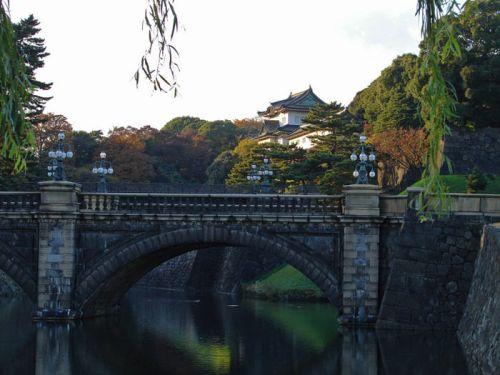 Puente Nijubashi, acceso principal al Palacio Imperial de Tokio