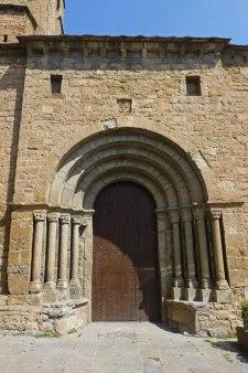 Portada de la Iglesia de Santa María de Aínsa
