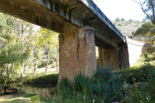 Puente de Villaseca en el corazón del Parque Natural de las Hoces del Río Duratón