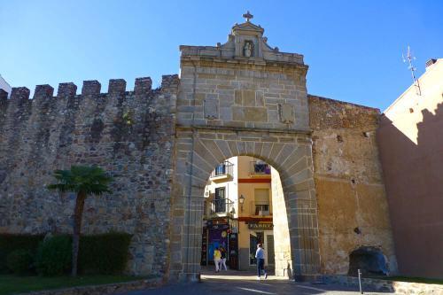 Puerta del Sol, forma parte de la Muralla de Plasencia