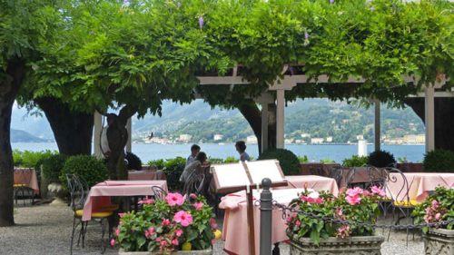 Restaurante a orillas del Lago de Como