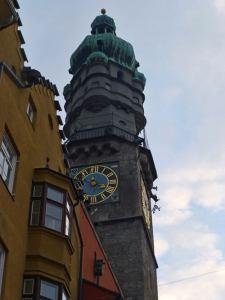 Torre de la Ciudad de Innsbruck de día