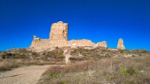 Castillo de Fuentidueña, Castillo de Santiago o Torre de Piquillos