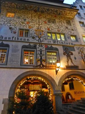 Edificio con frescos de Lucerna