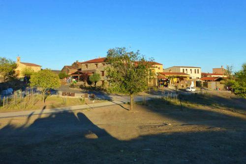 Villarreal de San Carlos, la única localidad dentro del P. N. de Monfragüe