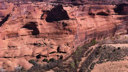 Cuevas en las paredes del Cañón de Chelly, donde se instalaron los Anasazi