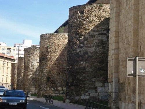 Muralla de León, construida durante la dominación romana, historia de León