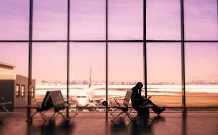 Passageira idosa desassistida pela empresa aérea recebe indenização pelo cancelamento de seu voo [Estudo de caso]