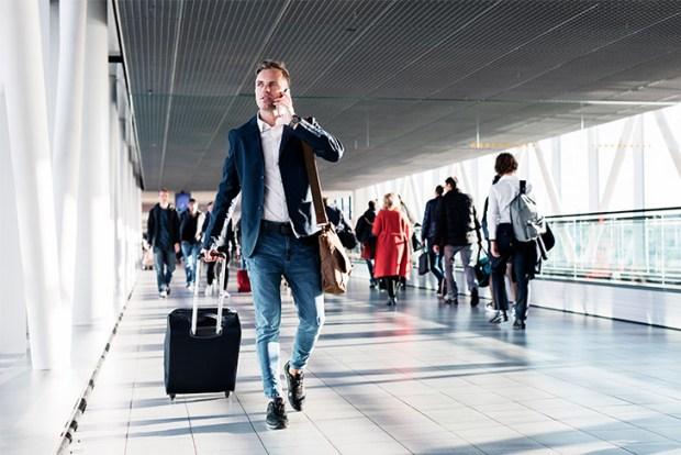 Viagem de trabalho com voo cancelado: o que acontece?