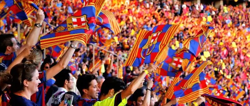Barcelona sing the Anthem