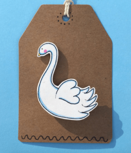 Love this swan's cute expression!