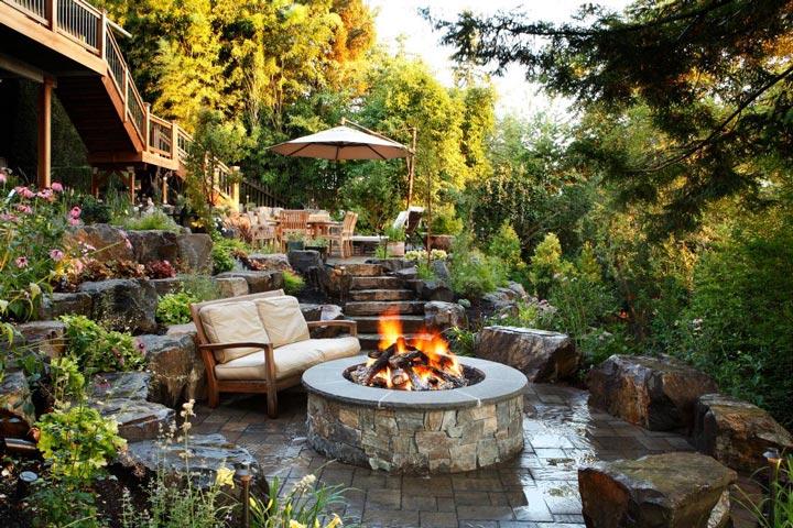 Sloping Garden Design Ideas on Sloped Backyard Design id=24553