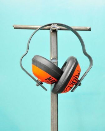 Tinnitus ear plugs - what about ear muffs?