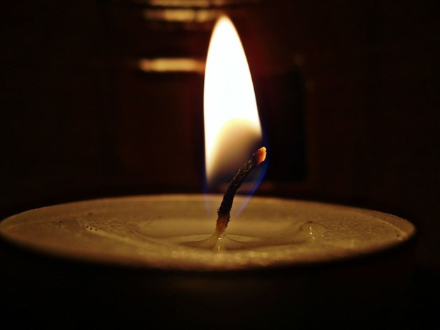 candle-278237_640