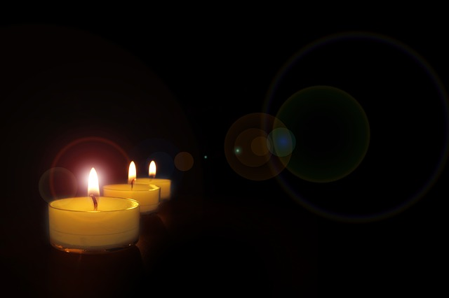 candlelight-491718_640