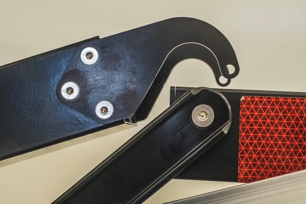 Mach2 Ramp hook close-up