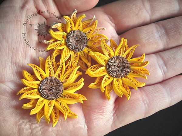 quilled mini sunflower