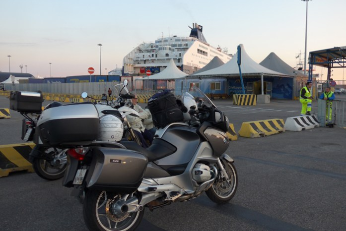 Embarque no ferry Barcelona - Civitavecchia (Roma).