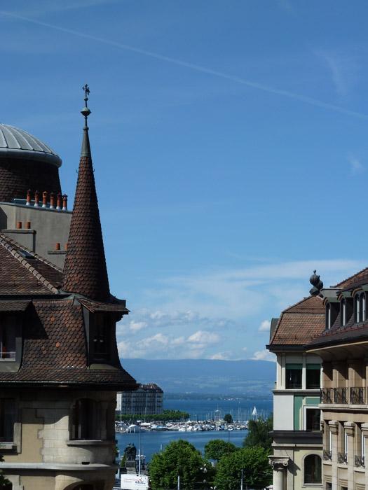 Viagem de mota pela Suíça e Alpes. Em Genève.