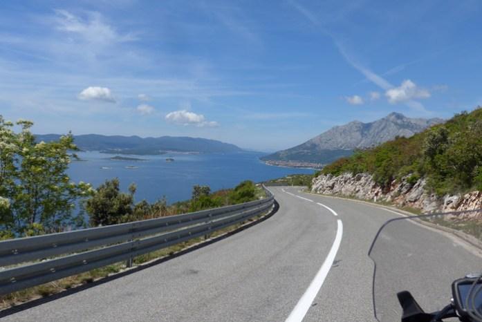 Estrada Panorâmica. De mota pela Croácia e Montenegro