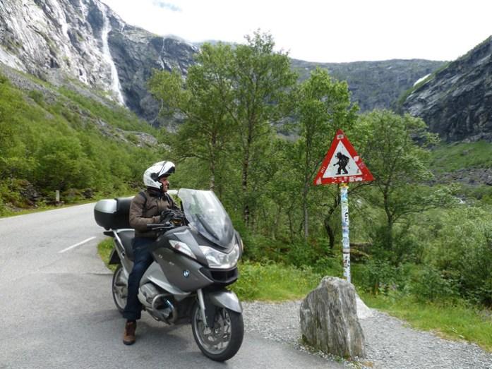 As melhores estradas da Noruega. Em Trollsitgen. Perigo Trolls