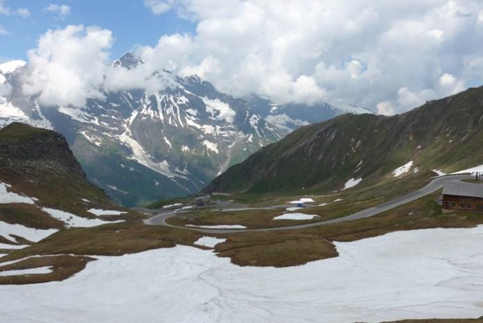 viagem de mota com passagem por Grossglockner estrada de montanha alpina Áustria