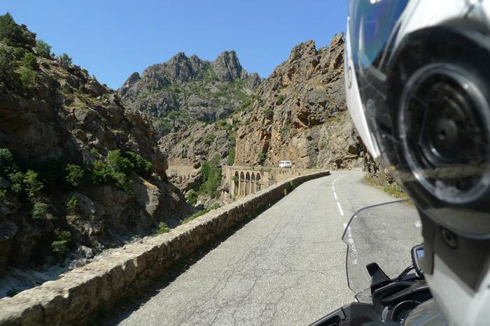 nas estradas mais perigosas da europa, de mota na córsega pela col de vergio