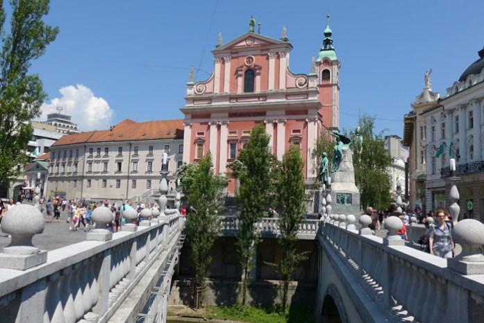 de mota pelos alpes. Eslovénia Liubliana