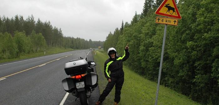 Estrada E75. Viagem de mota pela Finlândia