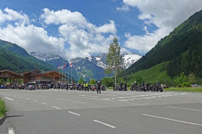Motas na entrada do Grossglockner. Viagem de mota aos Alpes - Dicas e informações
