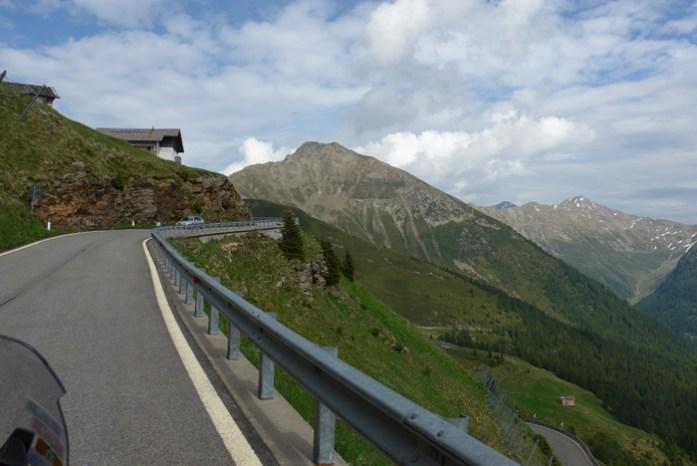 Roteiro de viagem de mota pelas Estradas Alpinas. JaufenPass. Itália