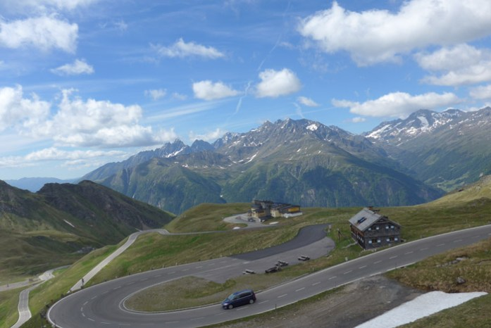 Roteiro de viagem de mota pelas Estradas Alpinas. Grossglockner. Áustria