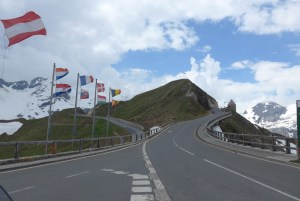 Estradas de montanha nos Alpes. GrossglocknerHochalpenstraße