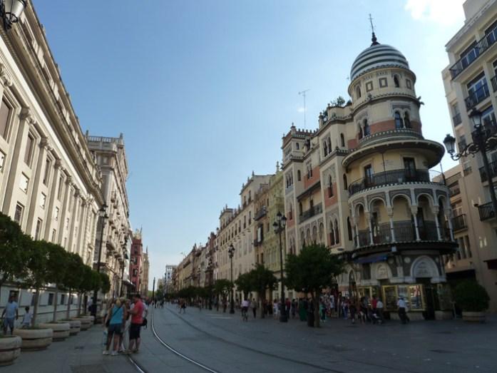 De mota pela Andaluzia. Pelas ruas de Sevilha.