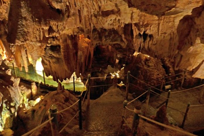 Roteiro nas Serras de Aire de Candeeiros. Nas grutas de Santo António.